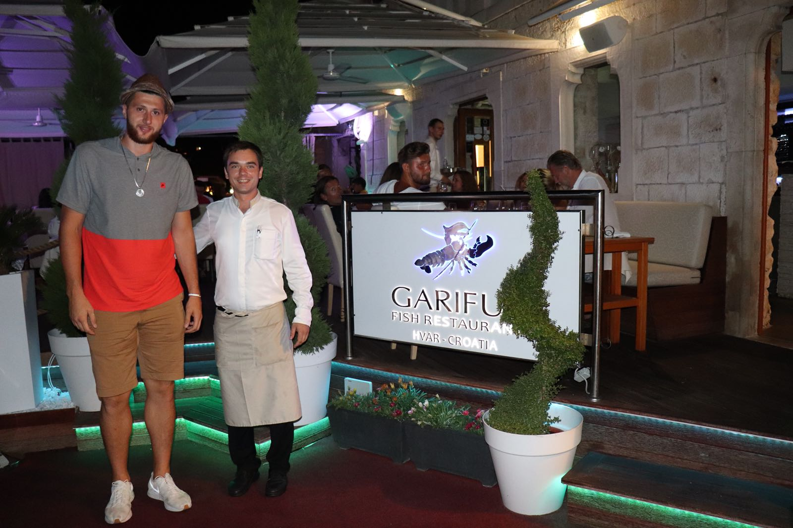 "Jusuf Nurkić steps out for dinner in legendary ""Gariful"""